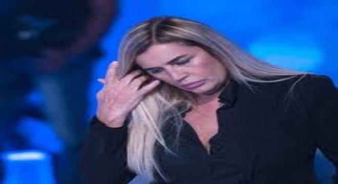 """Lory Del Santo shock: """"Mio figlio Loren ci ha lasciato"""", un altro terribile lutto per la show girl"""